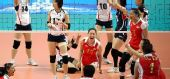 图文:中国女排庆祝亚运四连冠 得到最后一分后