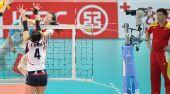 图文:亚运女排决赛中国3-2韩国 俞觉敏在场边