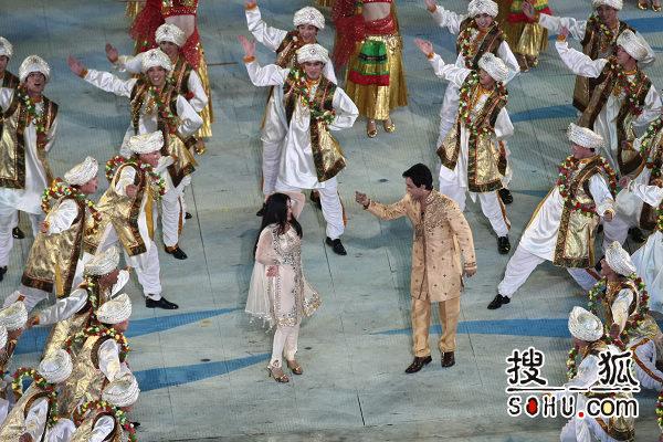 图文:广州亚运会闭幕式举行 歌手也舞蹈演员