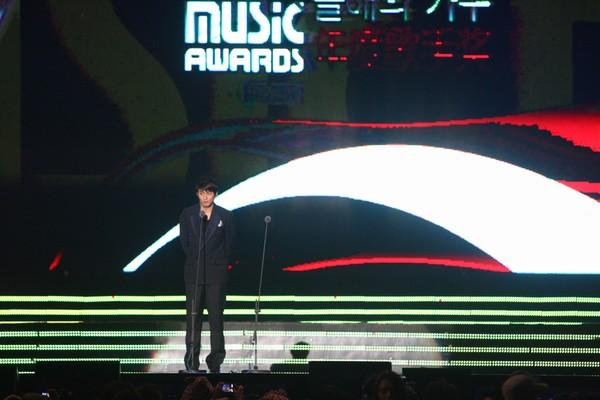 2010 MAMA颁奖典礼现场 颁奖嘉宾朱镇模