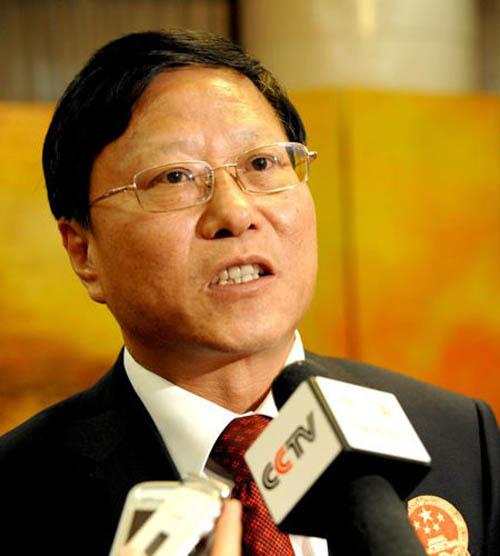 中国体育代表团团长段世杰在接受媒体采访