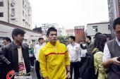 图文:林丹出席公益爱心活动 林丹新发型亮相