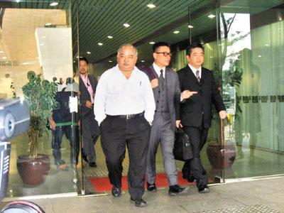 香港前大律师涉偷女性内衣被诉曾任记者高校教师(图)