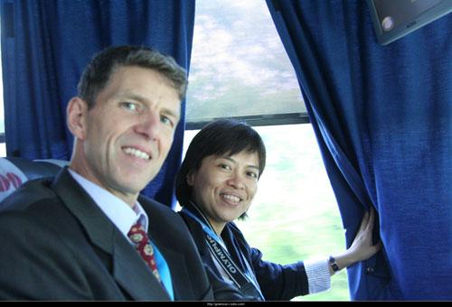 搜狐绿色特约观察员、绿家园总干事倪一�Z采访联合国气候变化官员