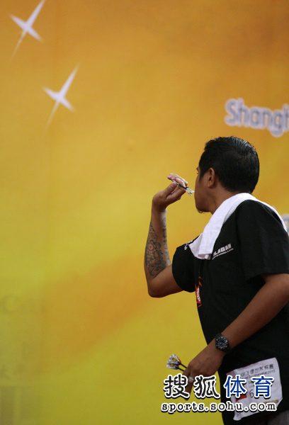 组图:2010IDF选手世界杯赛飞镖v组图一丝不苟韩国女子健美操图片