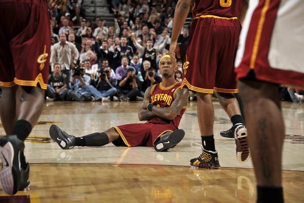 表情:[NBA]热火大胜骑士吉布森图文搞笑是遇见你图表情包想