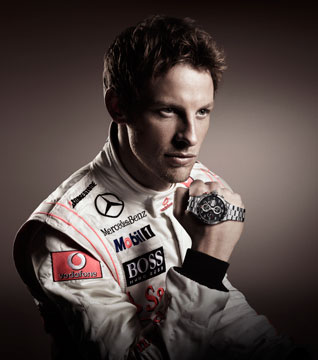 Jenson Button佩戴豪雅卡莱拉计时码表