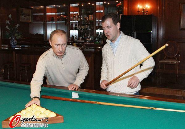 Медведев и Путин часто встречаются в Сочи в неформальной обстановке