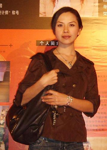 赵亚坤:简绎服饰设计总监