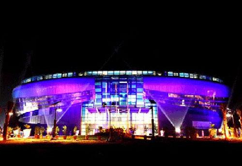 迪拜体育中心水上中心