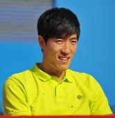 图文:2010中国体育旅游博览会 刘翔出席开幕式