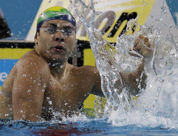 图文:短池世锦赛男50蛙决赛 席尔瓦庆祝夺冠