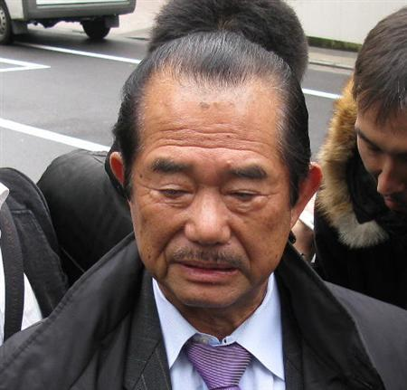 海老藏被殴事件官司对手律师辞职 称方针不同\原暴力集团领导人代表律师藤本胜也