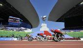 图文:2010新华社体育摄影佳作 圭素在比赛中