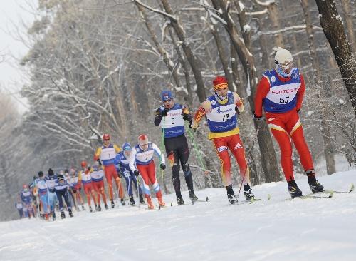 (體育)(1)越野滑雪——長春凈月潭瓦薩國際越野滑雪節