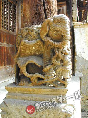 位于黔江区黄溪镇的市级文物建筑张氏庭院石雕堪比故宫工艺