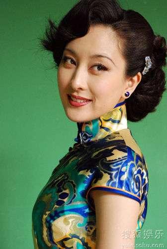 马苏剧中旗袍造型风情万种
