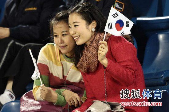 韩国美女助阵