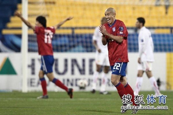 图文:韩国队2-1胜巴林 车杜里喜笑颜开