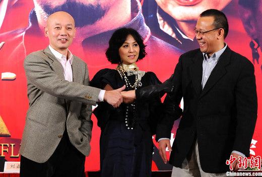 2010年12月6日下午,姜文最新执导电影《让子弹飞》在北京召开首映发布会。