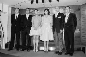 """《让子弹飞》内地票房昨日超6.6亿成新""""票房之王"""""""