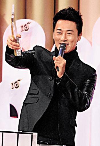 林峰果然是无线亲生子,昨晚蝉联亚太区最受欢迎香港男歌星