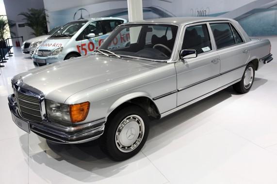 梅赛德斯-奔驰280 SE车型