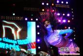 图文:2011中俄散打对抗赛 美女头发飞舞