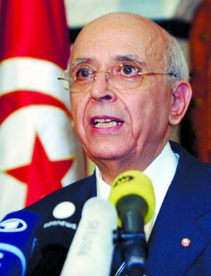 新政府和各政党将集中精力开始对突尼斯的政治、经济、社会进行人民期盼已久的全面改革。