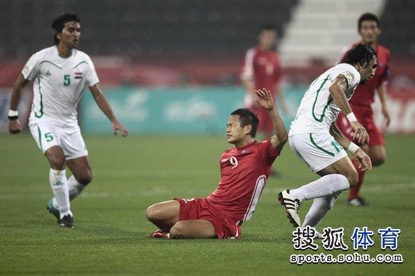 图文:伊拉克1比0朝鲜队 郑大世表现持续低迷