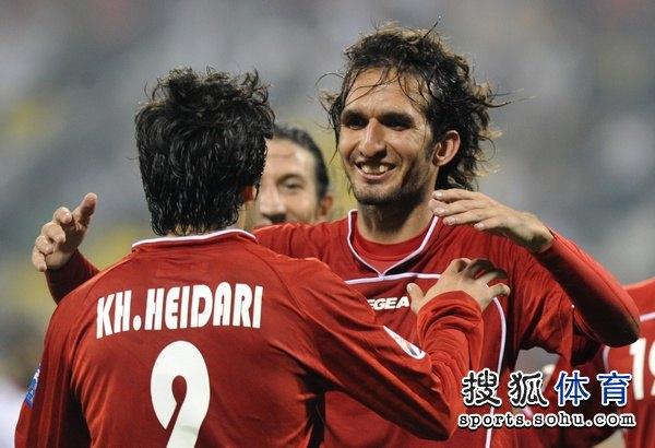 图文:伊朗队3比0阿联酋 伊朗人打入三球