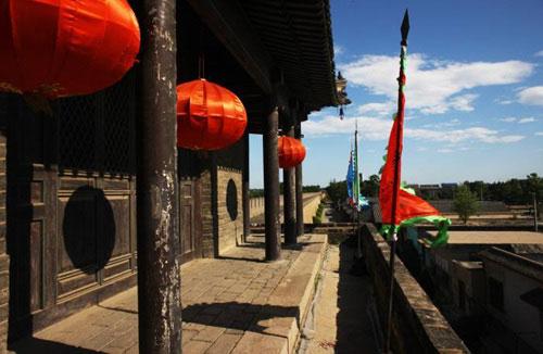 拥有570年历史的兴城古城是辽宁境内著名的古镇,辽东湾的菊花岛