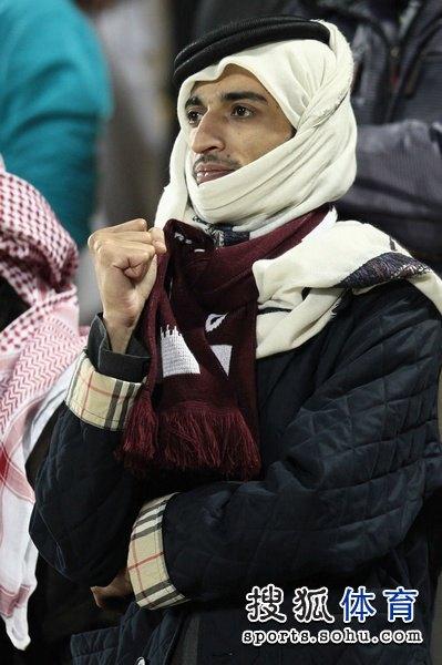 图文:日本3比2逆转卡塔尔 主场球迷很失望-搜狐