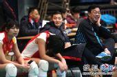 图文:北京女排3-0北航 杨昊场边记录