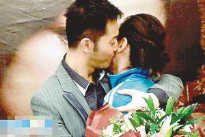 胡可沙溢首度公开拥吻。