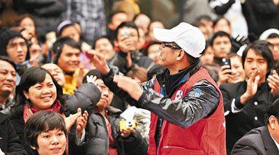 李连杰深受当地市民欢迎