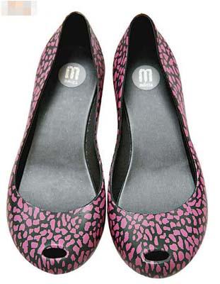 Melissa紫色塑胶物料平底鞋原价$600 七折$420