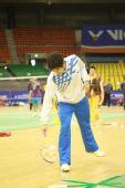 图文:韩国顶级赛一触即发 李龙大拾球