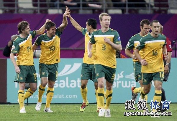 图文:澳大利亚6比0乌兹别克 科威尔和卡希尔