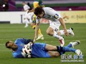 图文:澳大利亚6比0乌兹别克 门将力保不失