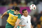图文:澳大利亚6-0乌兹别克 伊斯马洛夫争顶