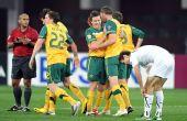 图文:澳大利亚6-0乌兹别克 澳大利亚球员庆祝