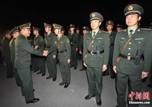 驻港部队发表新年贺辞 向港人致以诚挚节日问候