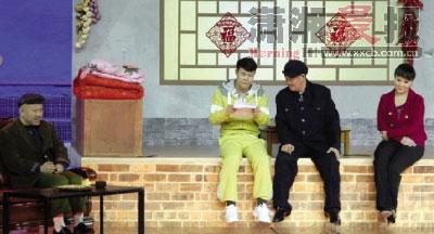 赵本山与徒弟小沈阳、王小利、李林共同亮相春晚第五次彩排,小品《同桌的你》首次登台演出,成为最大亮点。