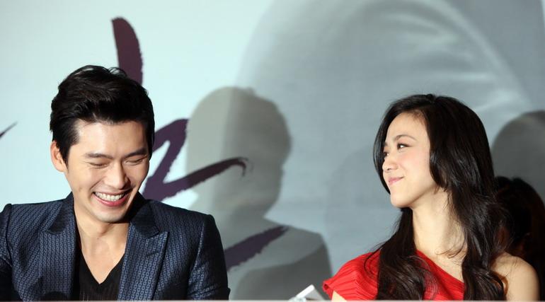 老电影明星演员照片_高清:汤唯主演电影《晚秋》在韩首映(组图)
