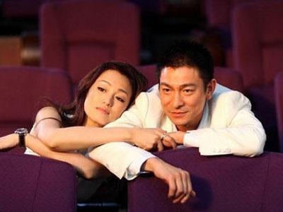 电影改编自好莱坞卖座爱情喜剧《偷听女人心》.
