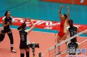 图文:天津女排3-0上海 王茜激情庆祝