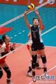 图文:天津女排3-0上海 魏秋月跳传