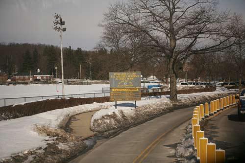 2011年2月10日,代表团抵达西点军校,接受领导力培训