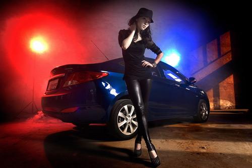 [演员v演员]长腿性感模特的最爱紧身皮裤都那么每个性感汽车图片